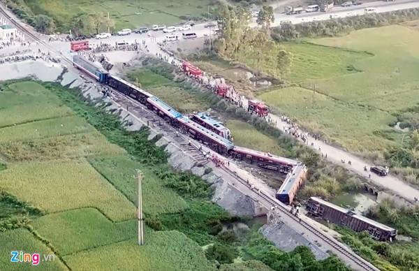 南北統一鉄道で脱線事故、8人死...