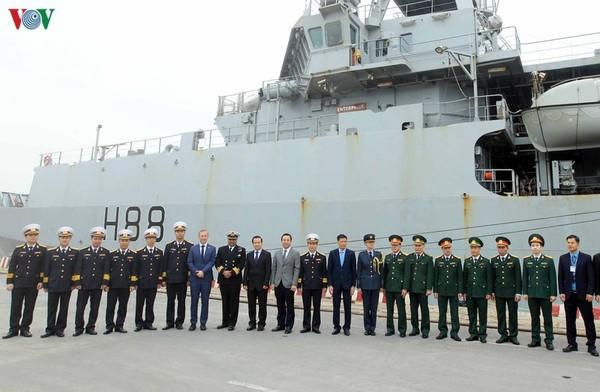 英国海軍の海洋観測艦、ハイフォンに寄港 [政治] - VIETJOベトナムニュース